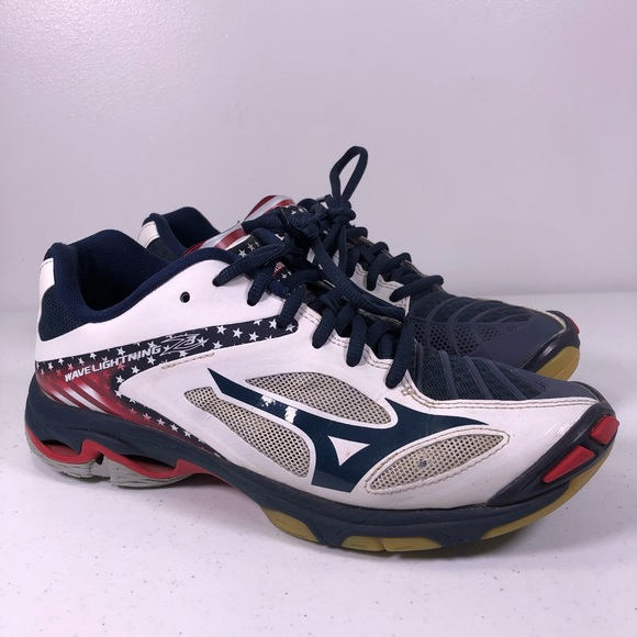 mizuno womens volleyball shoes size 8 x 1 jacket medium